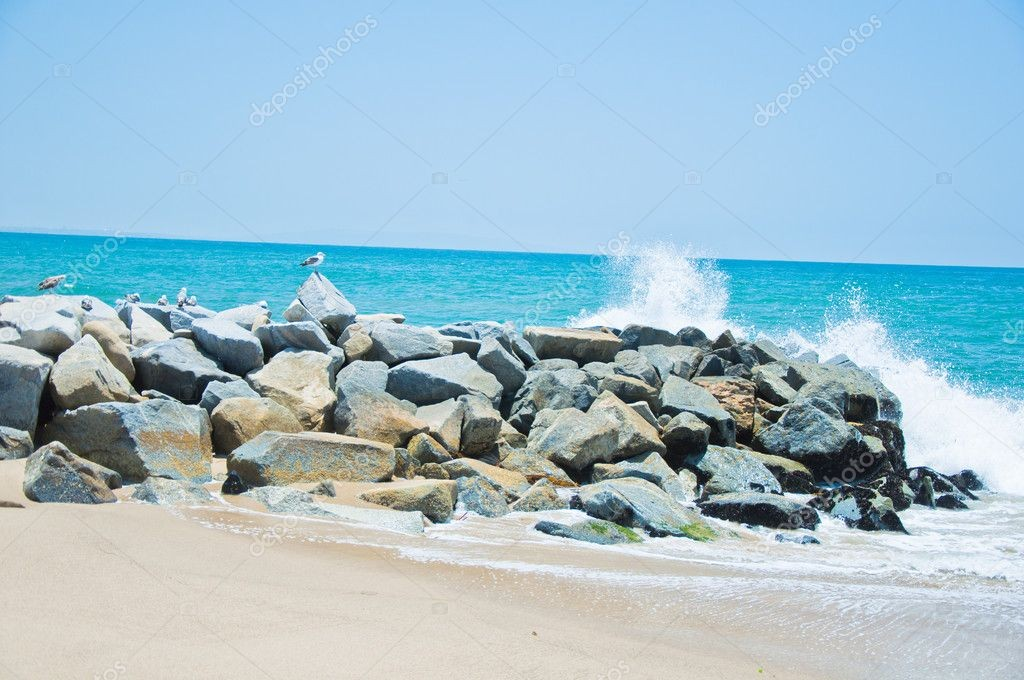 depositphotos_11710353-stock-photo-sea-rock-is-breaking-powerful